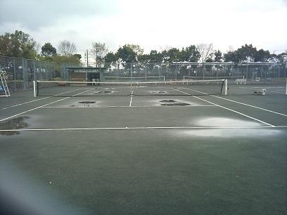 第二浄化センターテニスコート(雨)