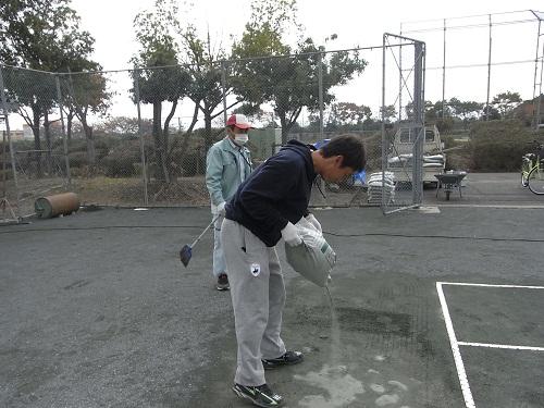 テニスコート修繕1113